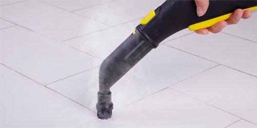 Punktstrahldüse mit Rundbürste zur Reinigung von Fliesenfugen