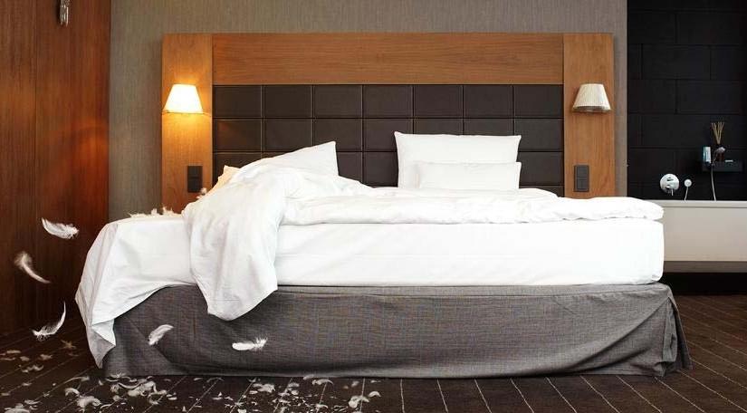 Gereinigtes Hotelzimmer.